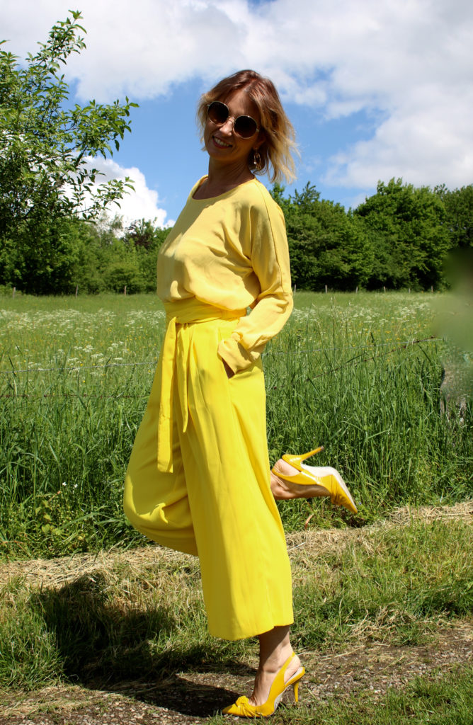 yellow outfit with Chloé Nile - claudinesroom