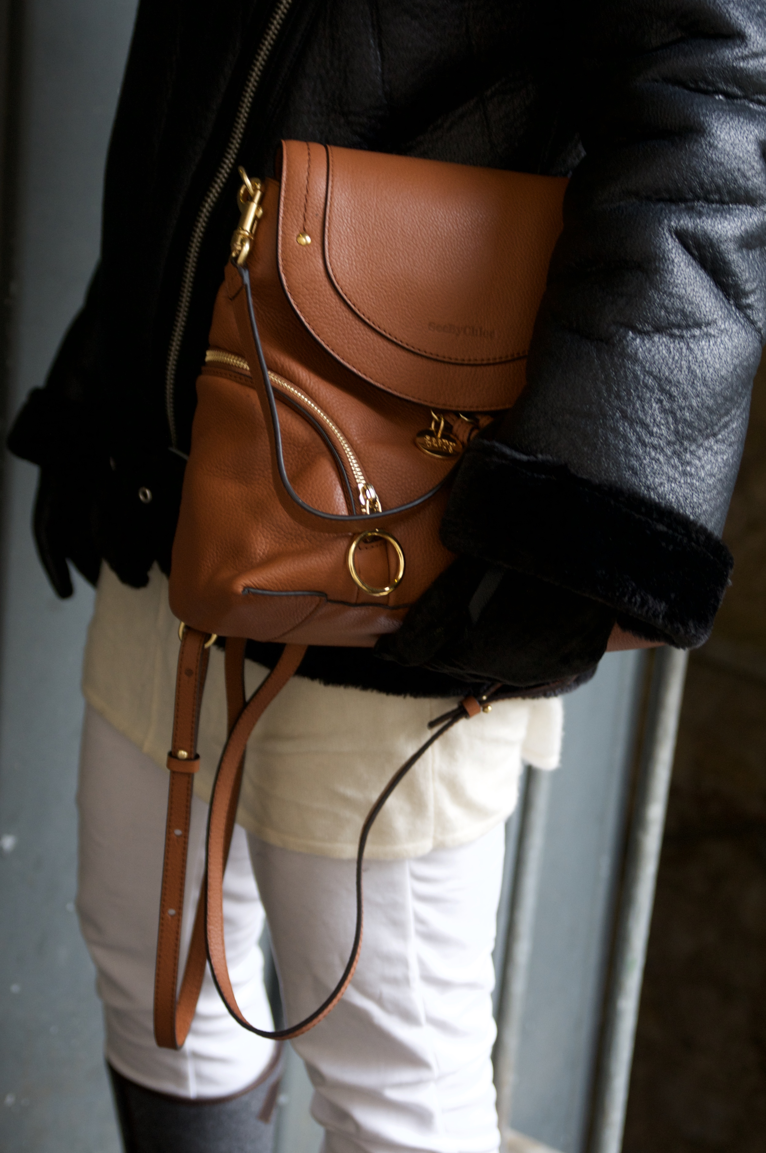 Christmas market outfit with Chloé backpack - claudinesroom