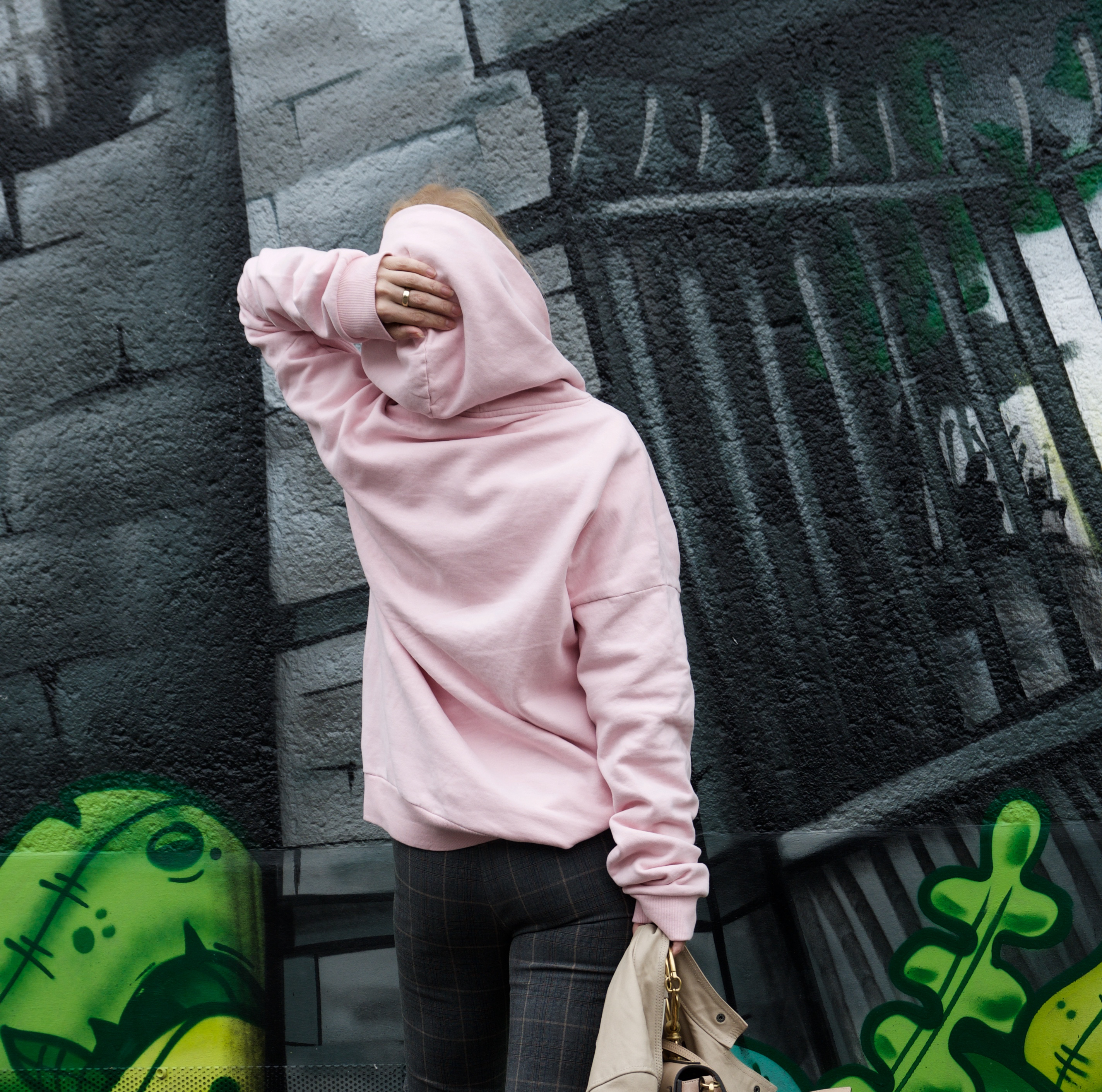 Glamometer hoodie and slingbacks - claudinesroom